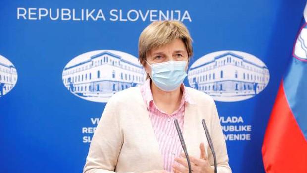 V Sloveniji nova pošiljka cepiv proti covidu-19, cepili bodo predvsem zaposlene v zdravstvu (foto: Daniel Novakovič/STA)