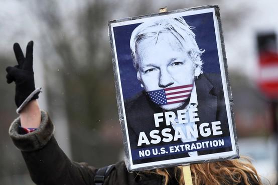 Britansko sodišče zavrnilo izročitev Juliana Assangea ZDA