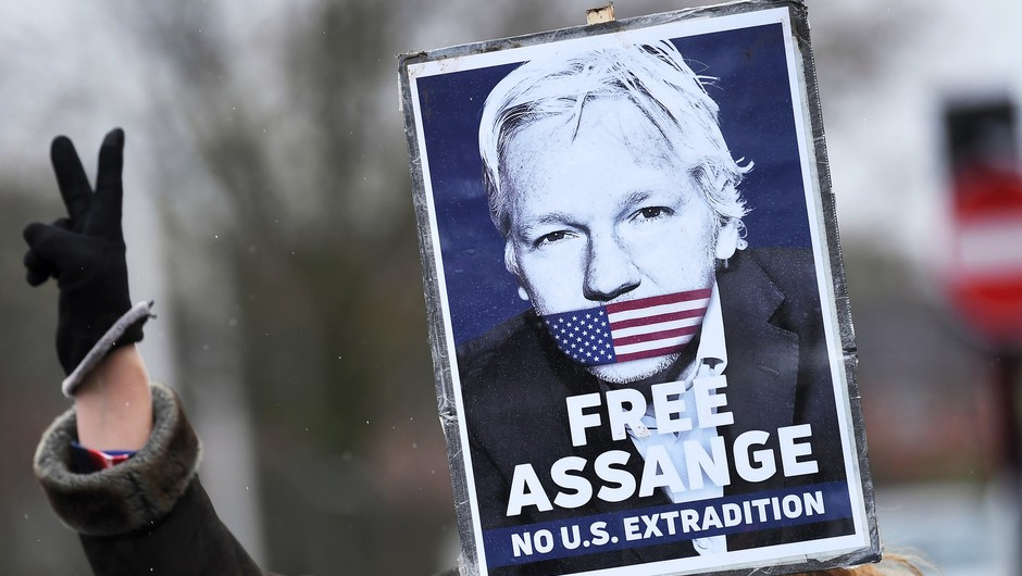 Britansko sodišče zavrnilo izročitev Juliana Assangea ZDA (foto: Profimedia)