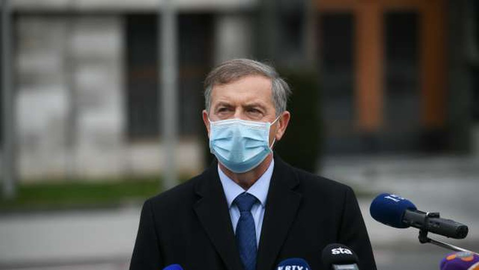 Zaradi okužb v DZ-ju Erjavec razmišlja o začasnem umiku kandidature za predsednika vlade (foto: Nebojša Tejić/STA)