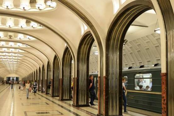 Vlake moskovske podzemne železnice lahko znova upravljajo ženske