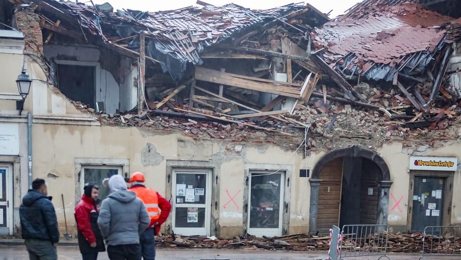 UNICEF na Hrvaško dostavil 13,5 ton zaščitnih ponjav za pomoč prizadetim v potresu (foto: profimedia)