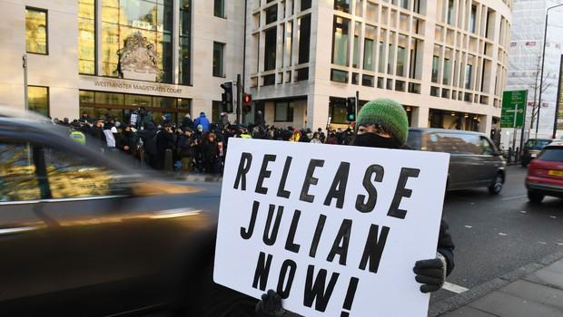 Britansko sodišče odredilo: Julian Assange ostaja v priporu (foto: Profimedia)