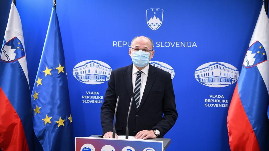 Kacin: Po ugotovitvah komisije smrt pri cepljeni osebi ni nastopila zaradi cepljenja proti covidu-19 (foto: Nebojša Tejić/STA)