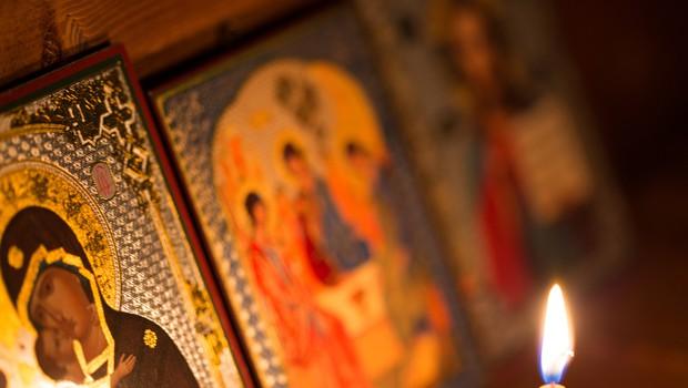Pravoslavni kristjani danes praznujejo božič, bogoslužij v cerkvah zaradi epidemije ni (foto: Shutterstock)
