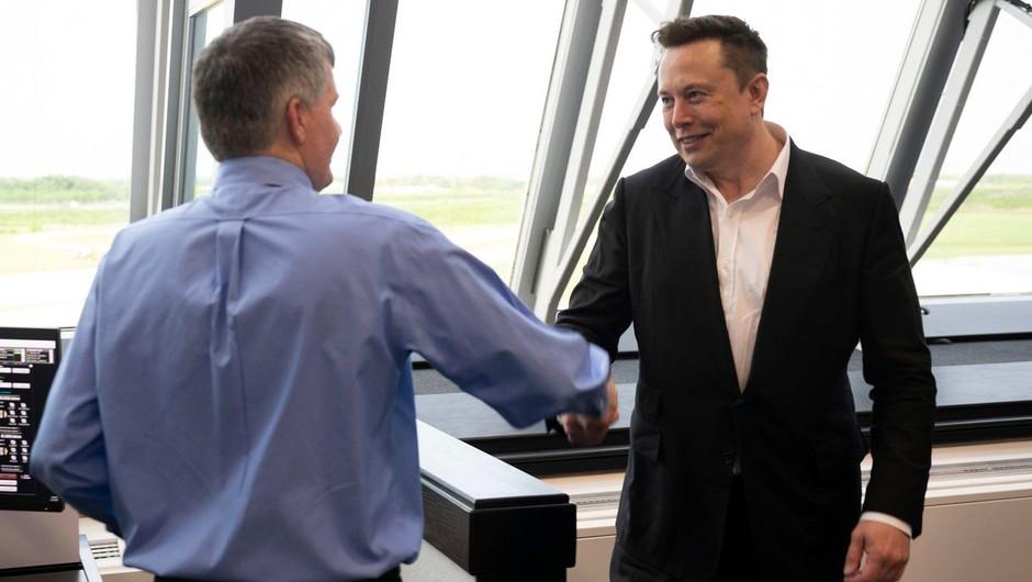 Ustanovitelj podjetja Tesla Elon Mask postal najbogatejši Zemljan na dan, ko je veliki izumitelj umrl (foto: profimedia)