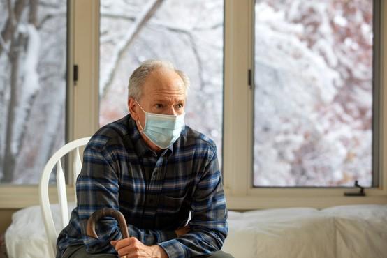 Med 14.718 četrtkovimi testi 2045 okuženih, umrlo 25 obolelih