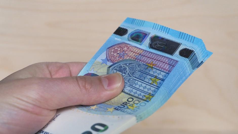 Januarja izplačila pomoči iz sedmega protikoronskega paketa (foto: profimedia)