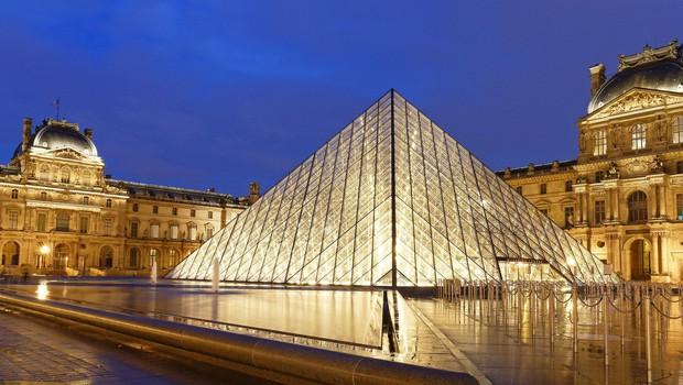 V pariškem muzeju Louvre zaradi epidemije 70 odstotkov manj obiskovalcev (foto: profimedia)