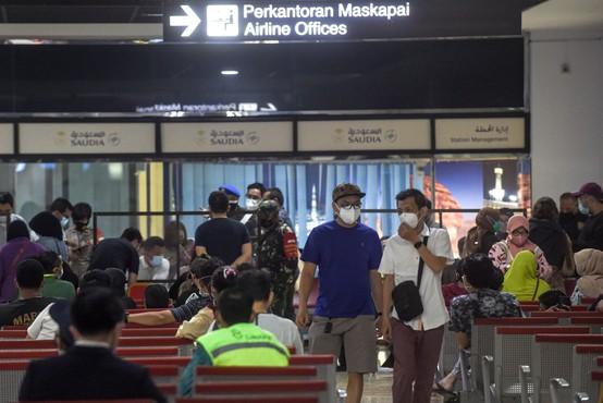 Pogrešano indonezijsko letalo, ki naj bi strmoglavilo v morje, še vedno iščejo