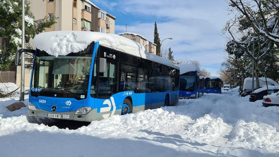 V Madridu nepretrgoma snežilo 36 ur, težave s snegom tudi na Balkanu (foto: profimedia)