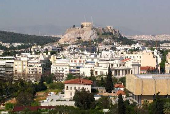V Grčiji januarja vročinski val, številni Grki so se odpravili na plaže