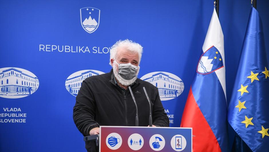 Krek predstavil covid-19 statistiko: Večina umrlih v 2020 je bilo stanovalcev domov za starejše (foto: Nebojša Tejić/STA)