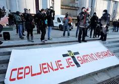 Nekaj sto protestnikov na Trgu republike se je po dveh urah mirno razšlo