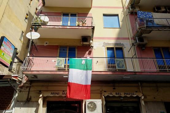 Razpad koalicije v Italiji, kjer razmišljajo o podaljšanju izrednih razmer do julija