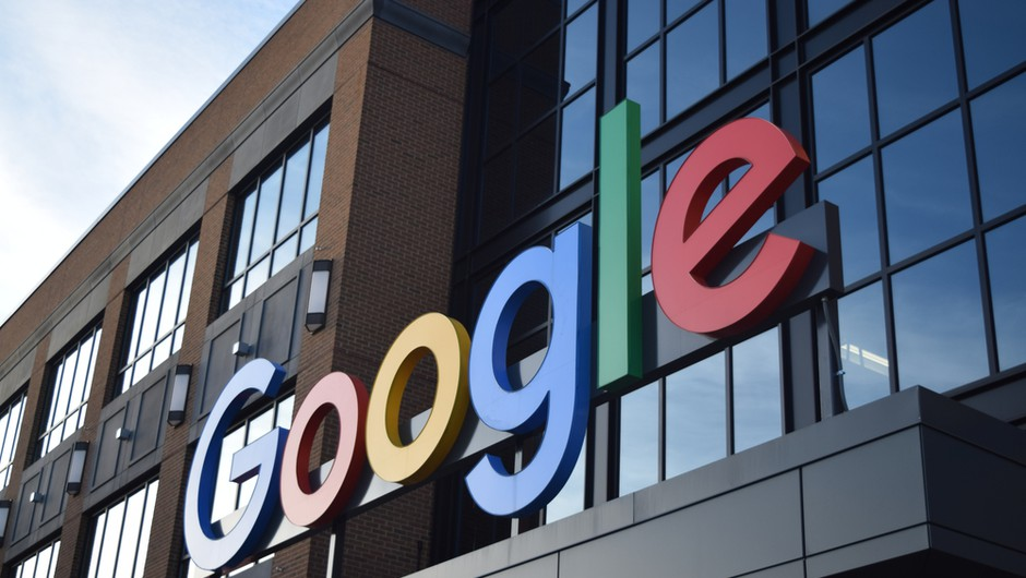 Trump poziva k umiritvi napetosti, Google bo začasno blokiral politične oglase (foto: Shutterstock)