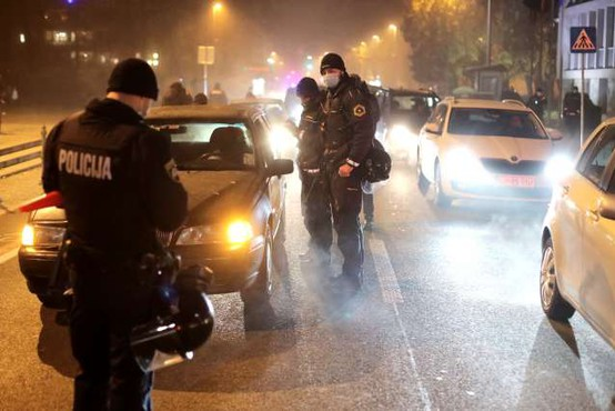 Zaradi objave plač policisti več nočejo nositi imen na uniformah