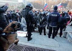 Policija na sredinem shodu izdala več kot 200 odlokov zaradi kršitev omejitve gibanja in zbiranja