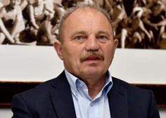 Grožnje, plakati s kljukastim križem ... Poslanec DeSUS Simonovič bo dogajanje prijavil policiji