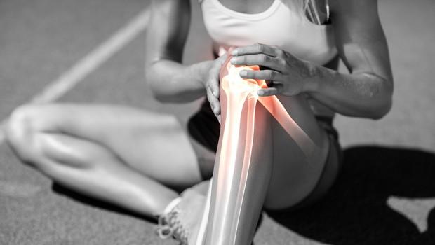 Bolečine v kolenu lahko odpravite tudi sami (po metodi Liebscher-Bracht) (foto: profimedia)