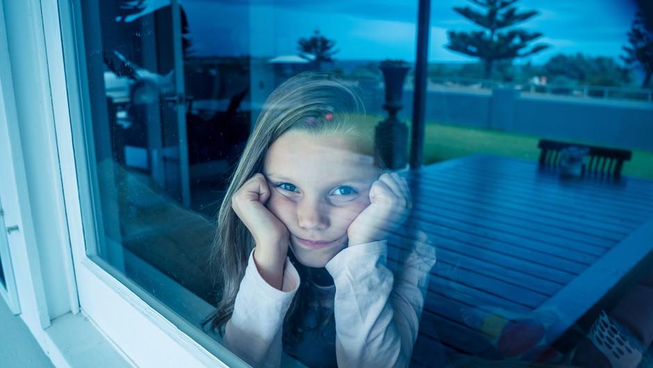 """""""Šolanje na daljavo povzroča vse večjo osamljenost in druge psihične težave"""" (foto: Shutterstock)"""