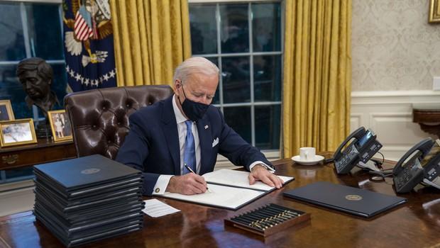 ZDA se vračajo v WHO, k pariškemu sporazumu, ustavljajo gradnjo zidu na meji z Mehiko (foto: Profimedia)