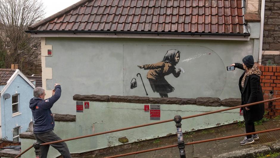 Dela nepredvidljivega uličnega umetnika Banksyja spet na dražbi (foto: profimedia)