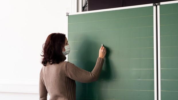 Učitelji in vzgojitelji po odloku na testiranje vsakih sedem dni (foto: profimedia)