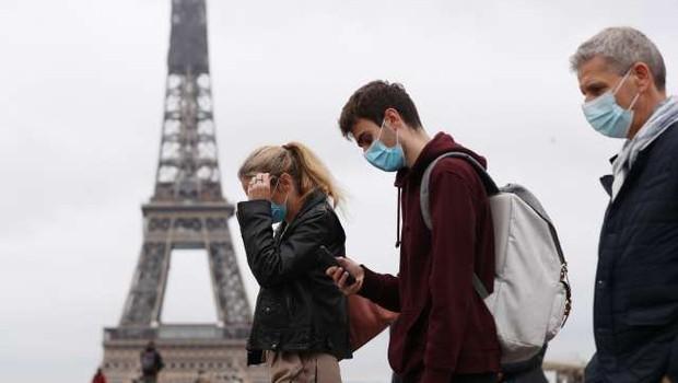 """V Franciji opozorila pred """"drugo pandemijo"""" zaradi novih sevov (foto: Xinhua/STA)"""