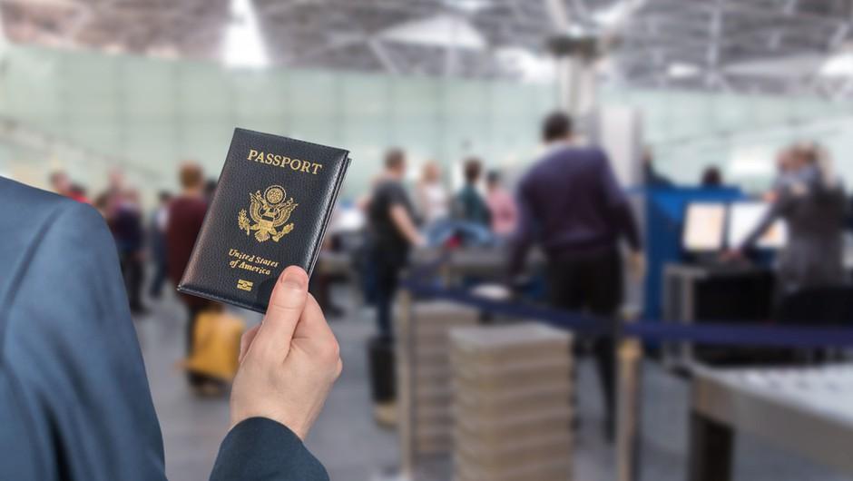 Biden podaljšuje prepoved potovanj v ZDA iz EU, tudi iz Slovenije (foto: Shutterstock)