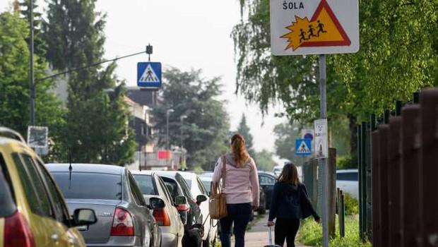 Skoraj dve tretjini staršev podpirata odprtje šole za učence prvega triletja (foto: Nebojša Tejić/STA)