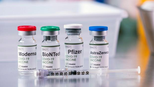 Cepivo proti covidu-19 ne povzroči spremembe človeškega genoma (foto: Profimedia)