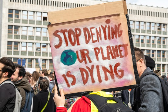 Ljudje za odločnejši spopad s podnebno krizo, je pokazala največja tovrstna raziskava do zdaj