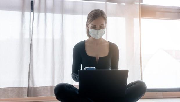 V sredo so ob opravljenih 13.597 testih potrdili 1516 okužb (foto: Profimedia)