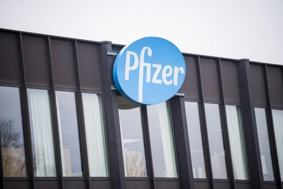 Pfizer in BioNTech svoje cepivo ocenjujeta kot učinkovito proti novim različicam koronavirusa