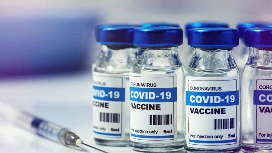 Bruselj z mehanizmom, ki omogoča prepoved izvoza cepiv, vrnil udarec farmacevtom (foto: profimedia)