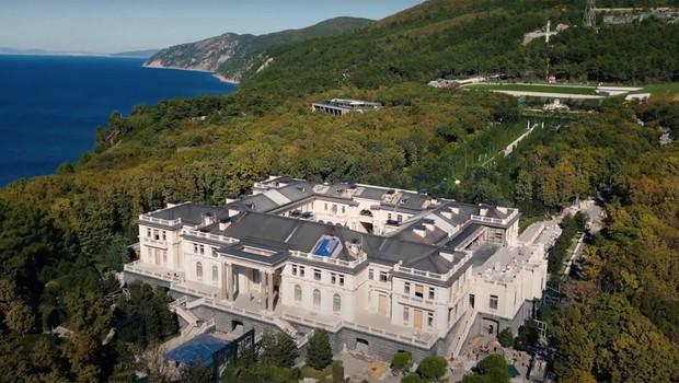 """Lastnik """"Putinove"""" palače na Krimu naj bi bil predsednikov prijatelj Arkadij Rotenberg (foto: profimedia)"""