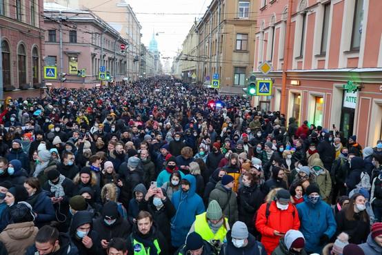 Ruske oblasti so se lotile protestnikov z zaporami in aretacijami