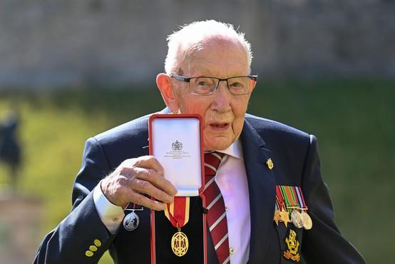 Britanski dobrodelni junak stotnik Tom zaradi covida-19 v bolnišnici