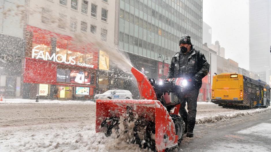 Severovzhod ZDA zajelo veliko snežno neurje, v New Yorku pričakujejo pol metra snega (foto: Profimedia)