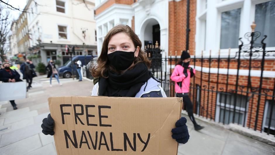 Sodišče Navalnemu odredilo več kot tri leta zapora (foto: Profimedia)