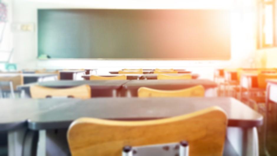 Na ponedeljkovem testiranju v Kranju pozitivnih kar 13,3 odstotka testiranih šolnikov (foto: Shutterstock)