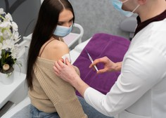 Cepljenje proti covidu-19 priporočljivo tudi za onkološke bolnike, ki so na aktivnem zdravljenju