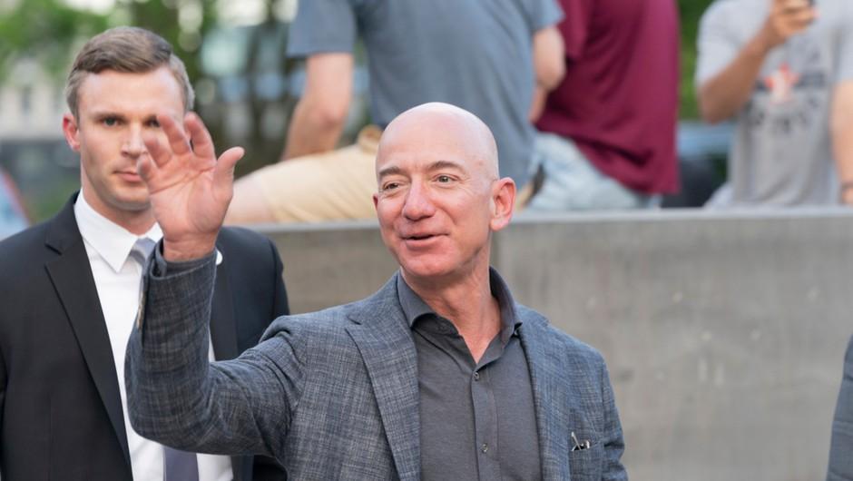Ustanovitelj Amazona Jeff Bezos odhaja s položaja glavnega izvršnega direktorja (foto: Shutterstock)