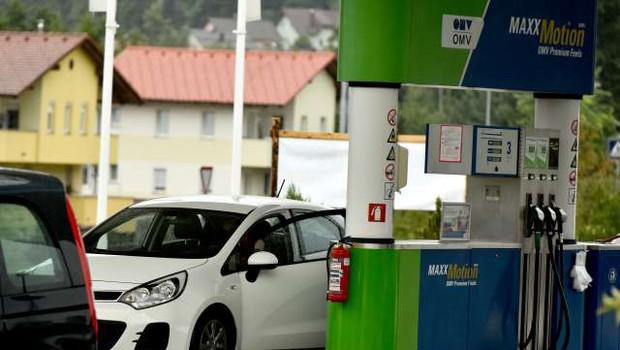 OMV v prodajo 120 bencinskih servisov v Slovenji (foto: Tamino Petelinšek/STA)