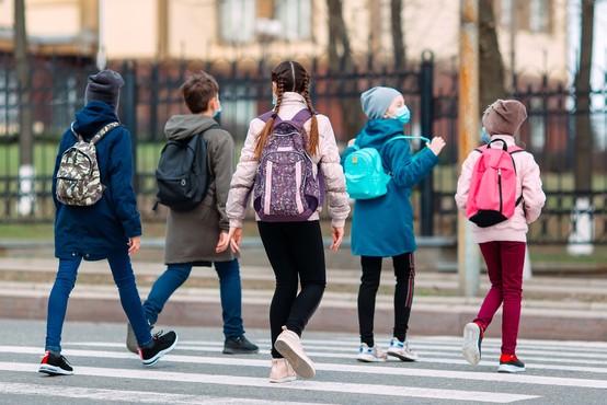 Šole za učence prvega triletja se odpirajo v vsej državi