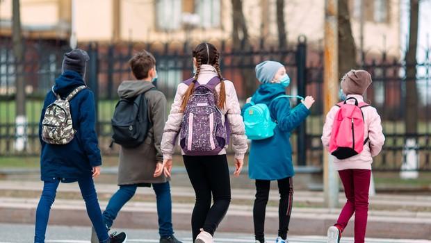 Šole za učence prvega triletja se odpirajo v vsej državi (foto: Shutterstock)