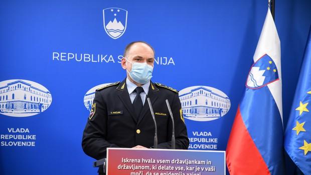 Policija ob nadzoru epidemioloških ukrepov v tednu dni izdala 551 plačilnih nalogov (foto: Nebojša Tejić/STA)