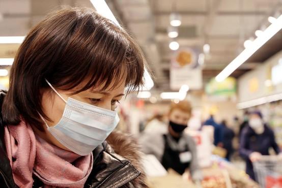 Bližamo se oranžni fazi: v četrtek potrjenih 959 novih okužb