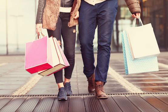 Naslednji teden naj bi se odprle vse trgovine, tudi z oblačili in obutvijo